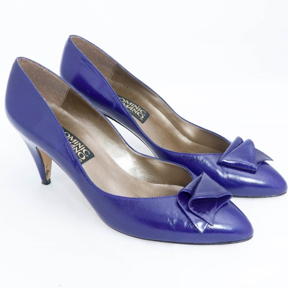 df5a19e7160f Dominic Romano Shoes - Dominic Romano Vintage Heels 8M Blue Abstract Bow